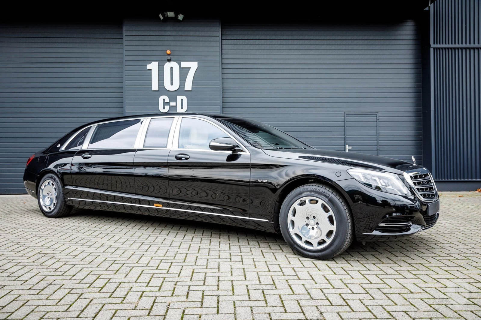 830k for a mercedes maybach s600 pullman is quite a. Black Bedroom Furniture Sets. Home Design Ideas