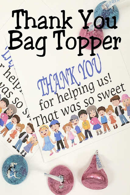Give a sweet Thank You Gift to the people in your life who help your kids the most--their school volunteers, sport Team Moms, and Church Primary Substitutes and Teachers with this printable bag topper Thank You. #thankyougift #diypartymomblog