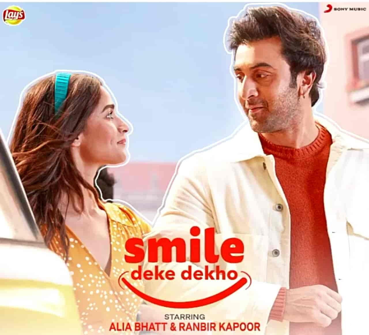 Smile Deke Dekho Lyrics Images Alia Bhatt and Ranbir Kapoor