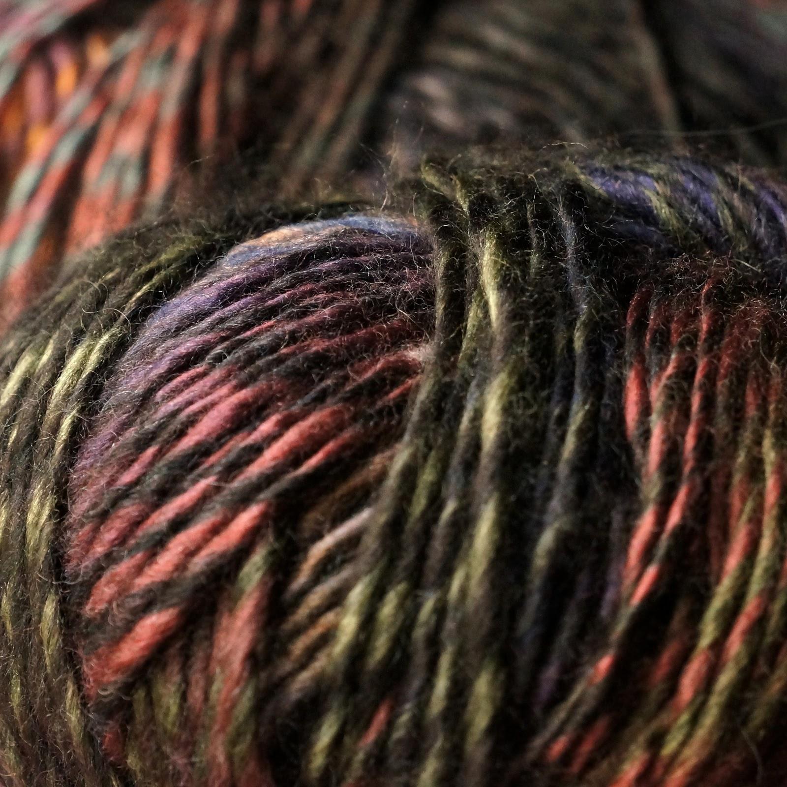 Colourful yarn ball {tettidesign}