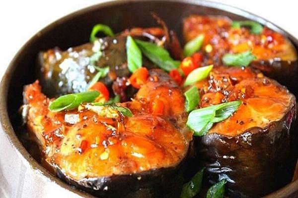 Món cá kho thơm ngon khiến bạn chén hết veo nồi cơm trong chớp mắt