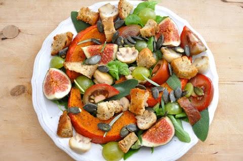 Színes, ízes őszi saláta sütőtökkel és fügével: csupa egészséges finomság kerül bele