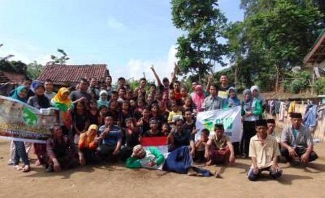 Traveling Sekaligus Baksos Ala Relawan Muda Bondowoso (RMB)