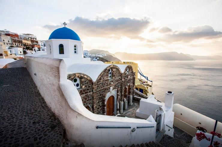 Top 10 Wonders of the Mediterranean World - Santorini, Greece