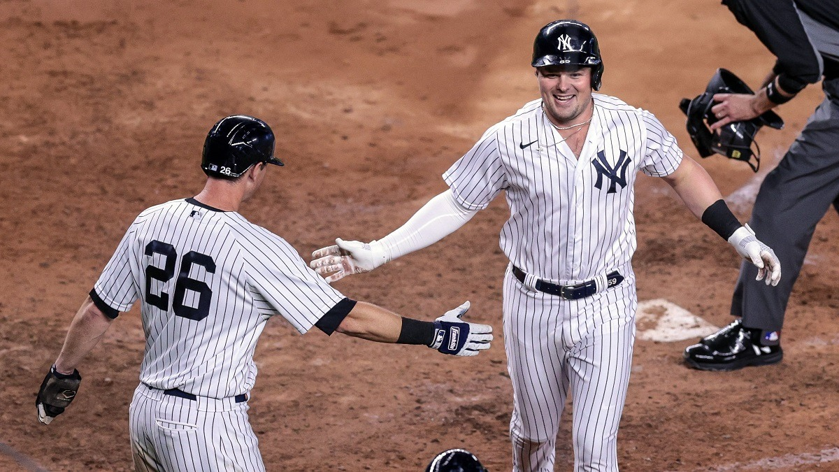 Yankees blast five home runs in explosive fourth inning