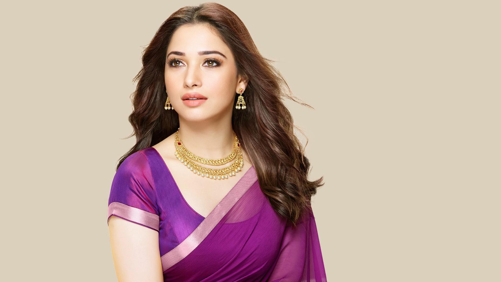 Actress Tamannaah Bhatia Wallpapers