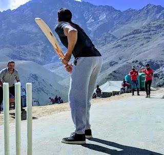 Sidharth Malhotra Playing Cricket