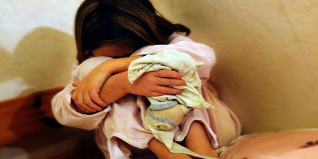 كويتي يغتصب طفلة بمراكش ويغادر التراب الوطني.. حقوقيون يطالبون بإرجاعه للمغرب لمحاكمته