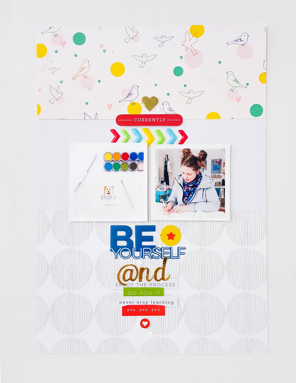Titel und Journaling mit Embellishments und Buchstaben gestalten