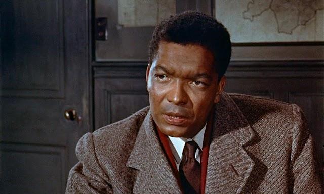 Elhunyt Earl Cameron, a filmtörténet egyik úttörő fekete brit színésze
