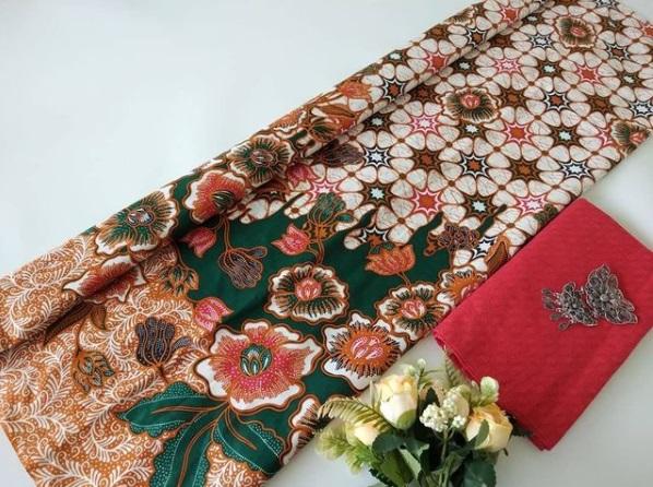 Bahan Batik Motif Bunga Pekalongan