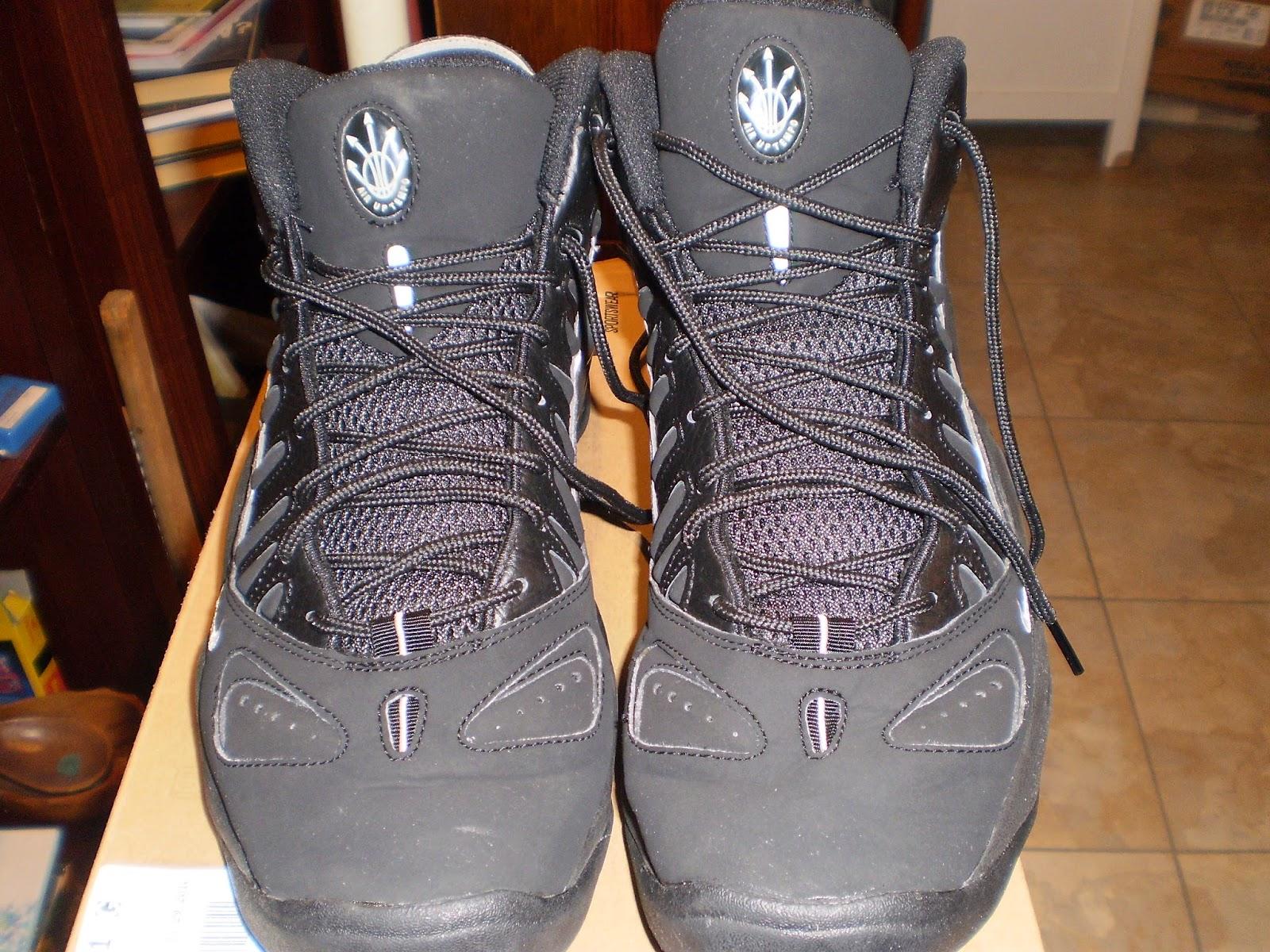addict4sneakas: 2010 Nike Air Max Uptempo 97 BlackRed