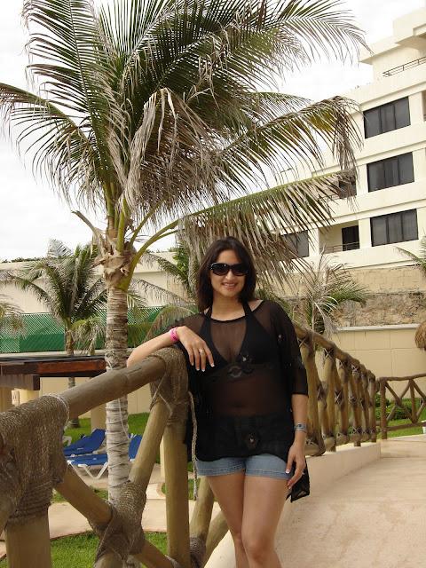 Indian-wife-on-honeymoon-trip-3