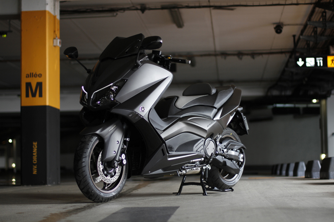 otolights: yamaha t-max the ultimate sports maxi scooter 2016