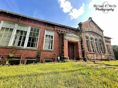 Abandoned Lincoln School