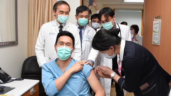彰化縣AZ疫苗開打 彰基醫事人員今起接種