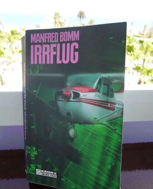 Das Buch Irrflug von Manfred Bomm