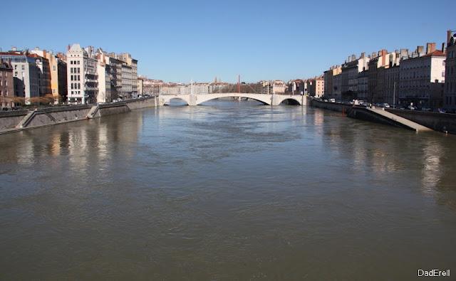 La Saône à Lyon et le pont Bonaparte
