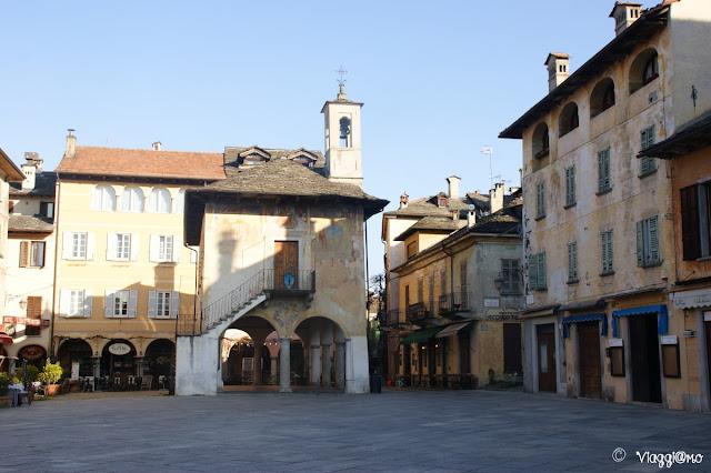 Il Palazzo della Comunità in Piazza Motta
