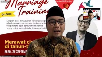 Founder Sekolah Pranikah Indonesia Berbagi Kiat Merawat Cinta