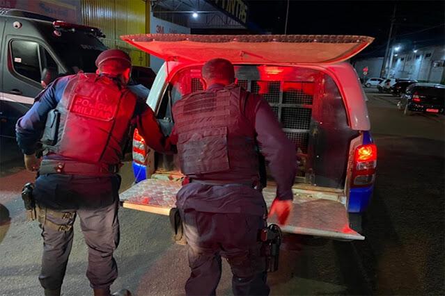 Motorista embriagado é preso após atropelar ciclistas na capital