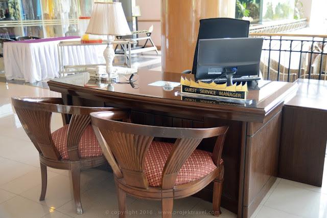 Konsep minangkabau turut diselitkan didalam dekorasi hotel