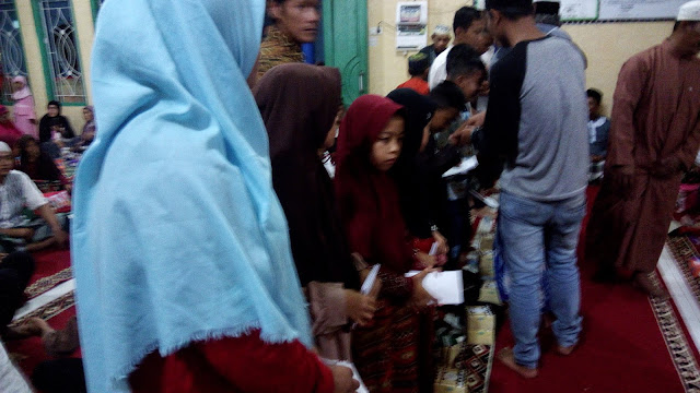 10 Muharam Di Masjid Al- Furkon,Berbagi Dengan Anak Yatim