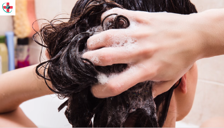 HOW TO WASH YOUR HAIR (THE RIGHT WAY) FOR HEALTHIER HAIR