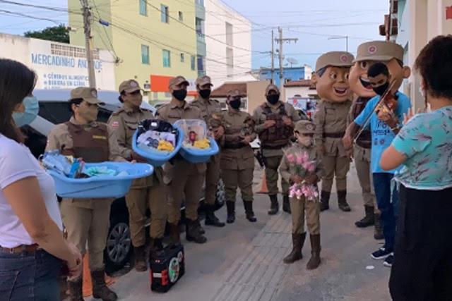 Patrulha Solidária doa presentes para mamães e bebês no Sudoeste da Bahia