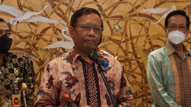 Mahfud Md Jawab Kritik Amien Rais soal 'The Wrong Man for The Wrong Job'