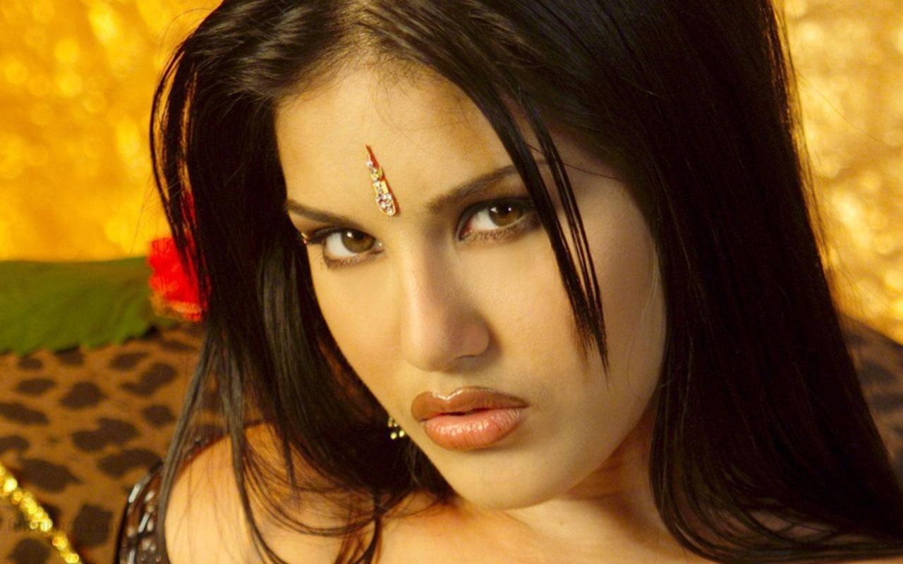 Sunny Leone Hd Wallpapers ~ WALL PC