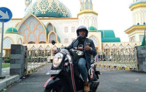 Sangkin Cintanya Sama NU, Pemuda Banyuwangi Naik Motor Ke Lombok Hadiri Munas