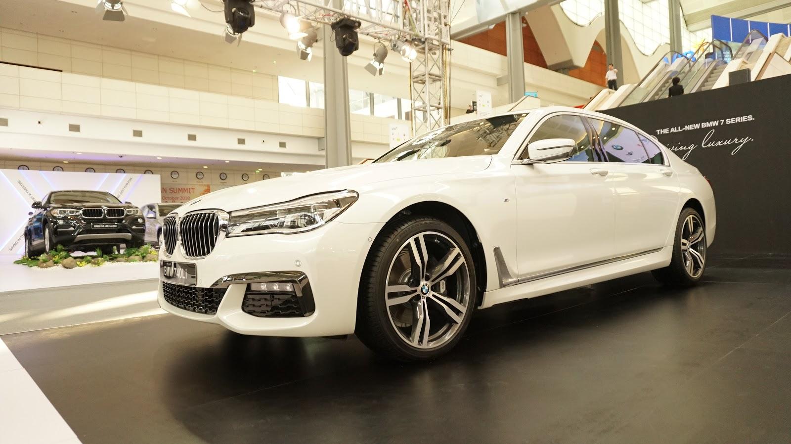 So về hình dáng, BMW 740Li hoàn toàn giống với BMW 750Li, nhưng khác biệt ở động cơ đã làm nên khác biệt