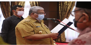 Gubernur Ali Mazi Lantik Pengurus Dewan Pendidikan Sultra