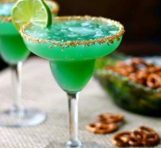 Irish Margarita Recipe: Green Cocktail for St Patrick's Day #drinks #partydrink