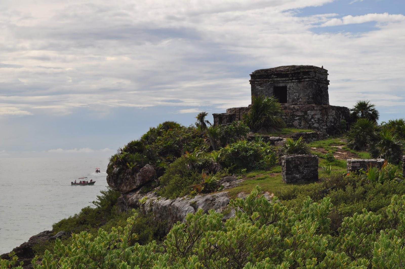 Foto templo del dios del viento Tulum