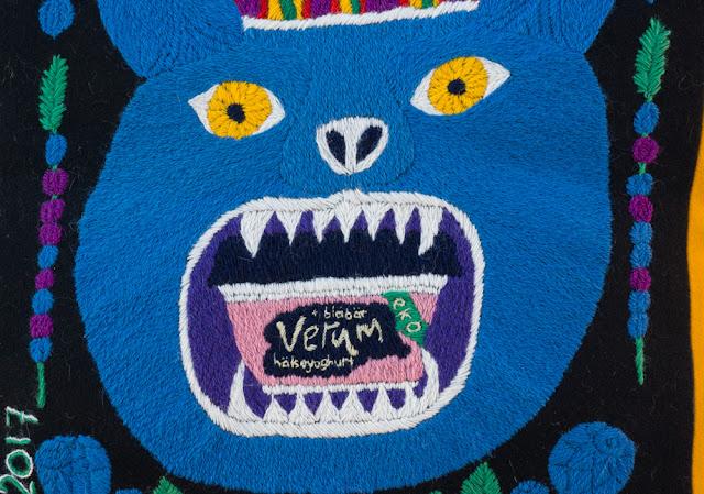 Verum goes yllebroderi - den blå björnen
