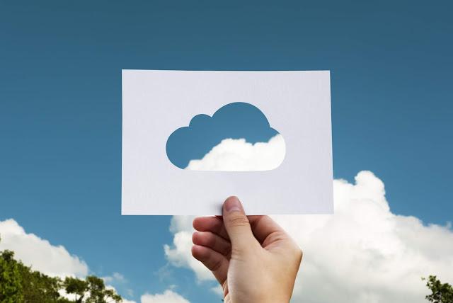Perbedaan hybrid cloud dan multicloud
