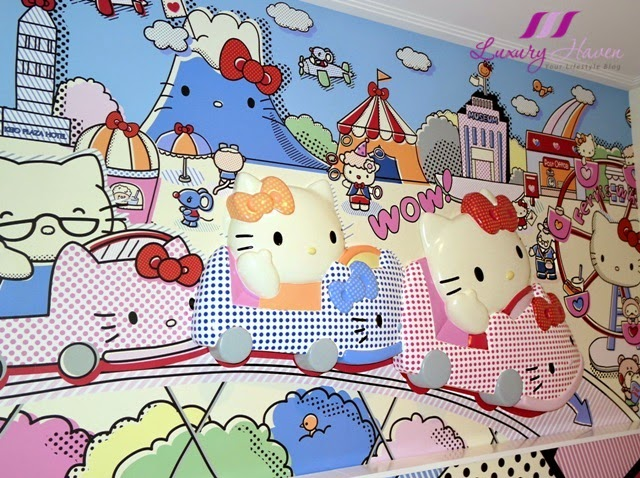 keio plaza tama hello kitty wallpaper