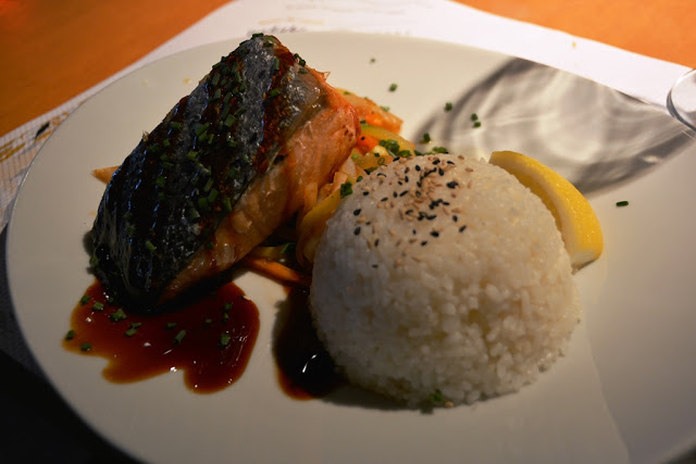 Restaurant Watatsumi Barcelona salmon