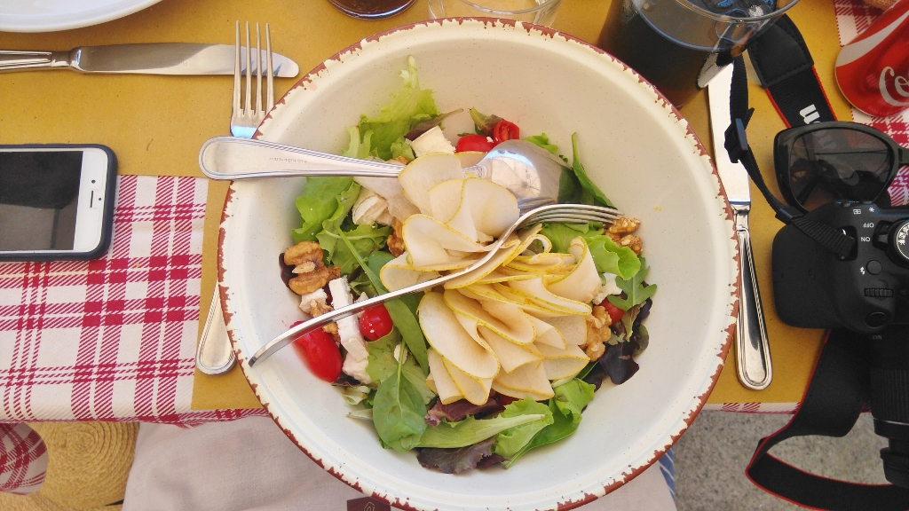 Pear and cheese salad for lunch in Milan
