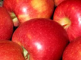 https://www.healthline.com › nutrition › 10-health-benefits-of-apples