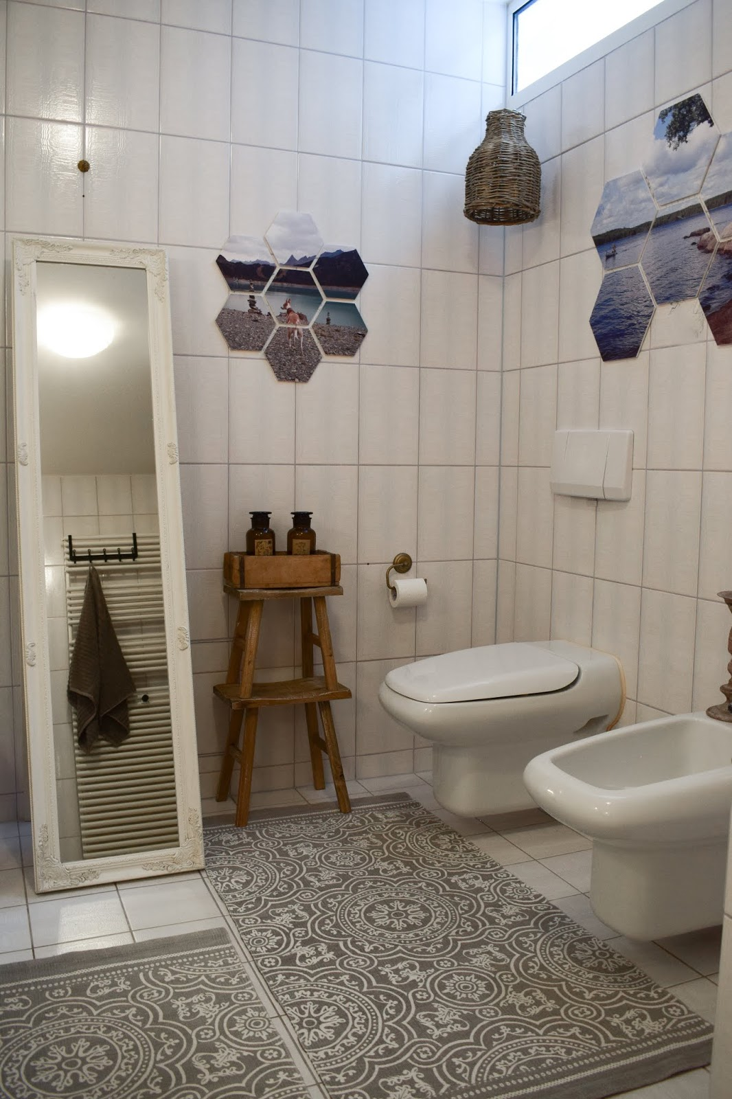 Wandgestaltung mit hexxas von Cewe. Einfach Bild auswählen und an die Wand kleben. Wanddeko für Diele, Badezimmer, Esszimmer, Wohnzimmer, Schlafzimmer. Individuelle Dekoidee mit Hexagonen. hexxa Deko für deine Wände. Selber machen