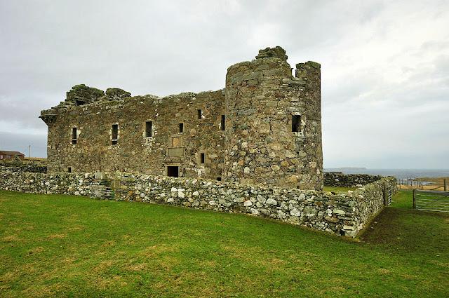 Zamek w Muness na Szetlandach