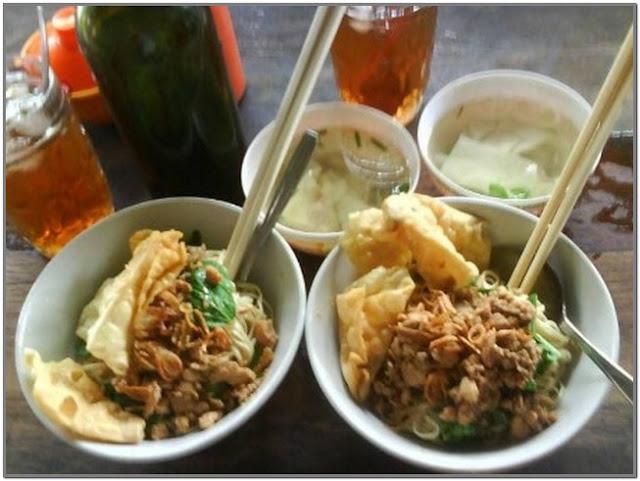 Pangsit Mie Ayam Benteng Pancasila;10 Top Kuliner Mojokerto