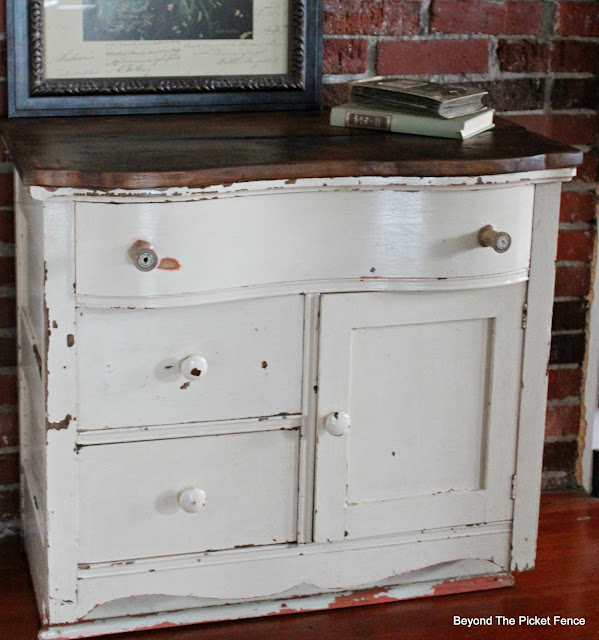 commode, dresser, antique, barnwood, chest of drawers, old spools, http://bec4-beyondthepicketfence.blogspot.com/2016/03/charming-commode.html