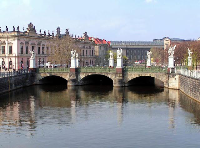 Schlossbrücke, Berlim
