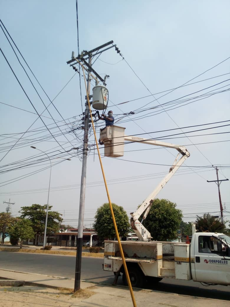 APURE: Cuadrillas del Centro de Servicio Guasdualito atendieron averías en Páez y Rómulo Gallegos.