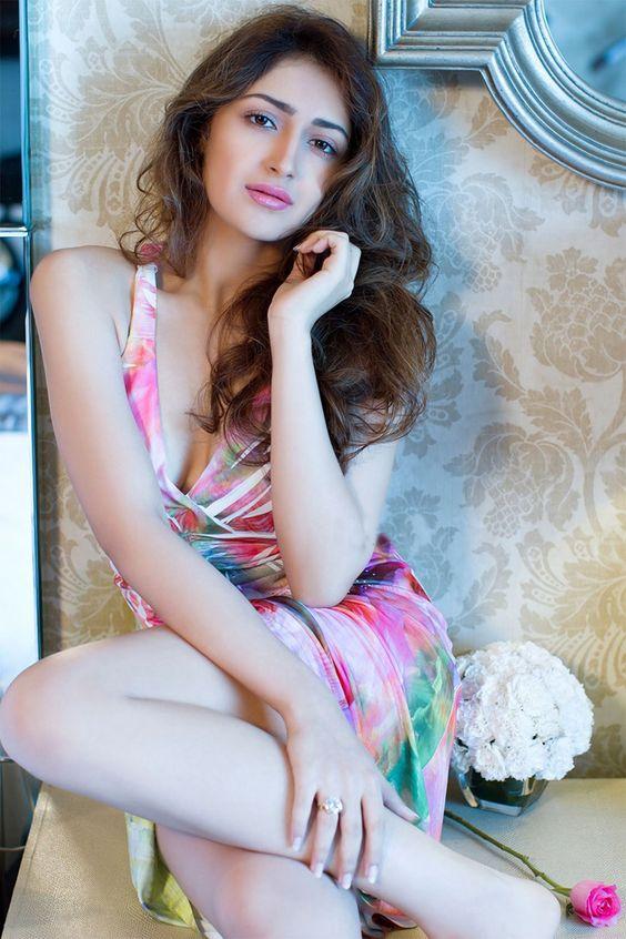 sayesha saigal hot navel snapshot - Sayesha Saigal Sexiest Images & Photo Gallery|Vanamagan Actress Hot Stills|