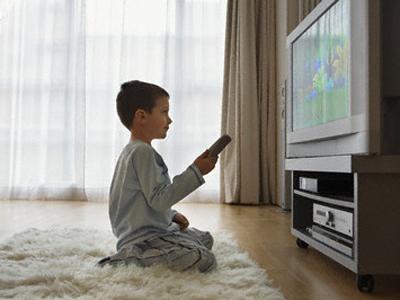 Cara nonton TV yang aman untuk anak | Buah Hati Ibu